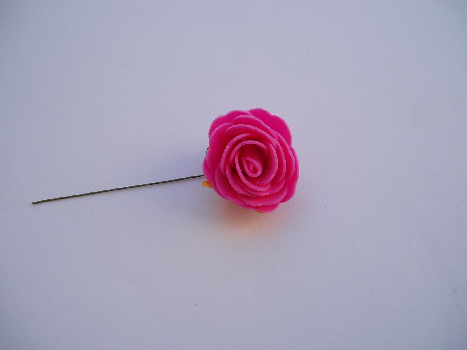 pěnová růže 4 cm - Obrázek č. 1