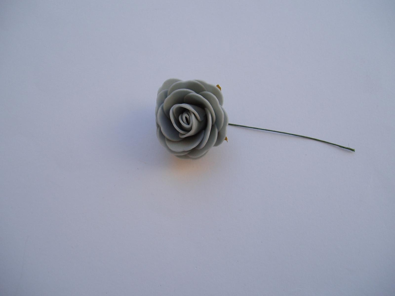pěnová růže-šedá 4 cm - Obrázek č. 1