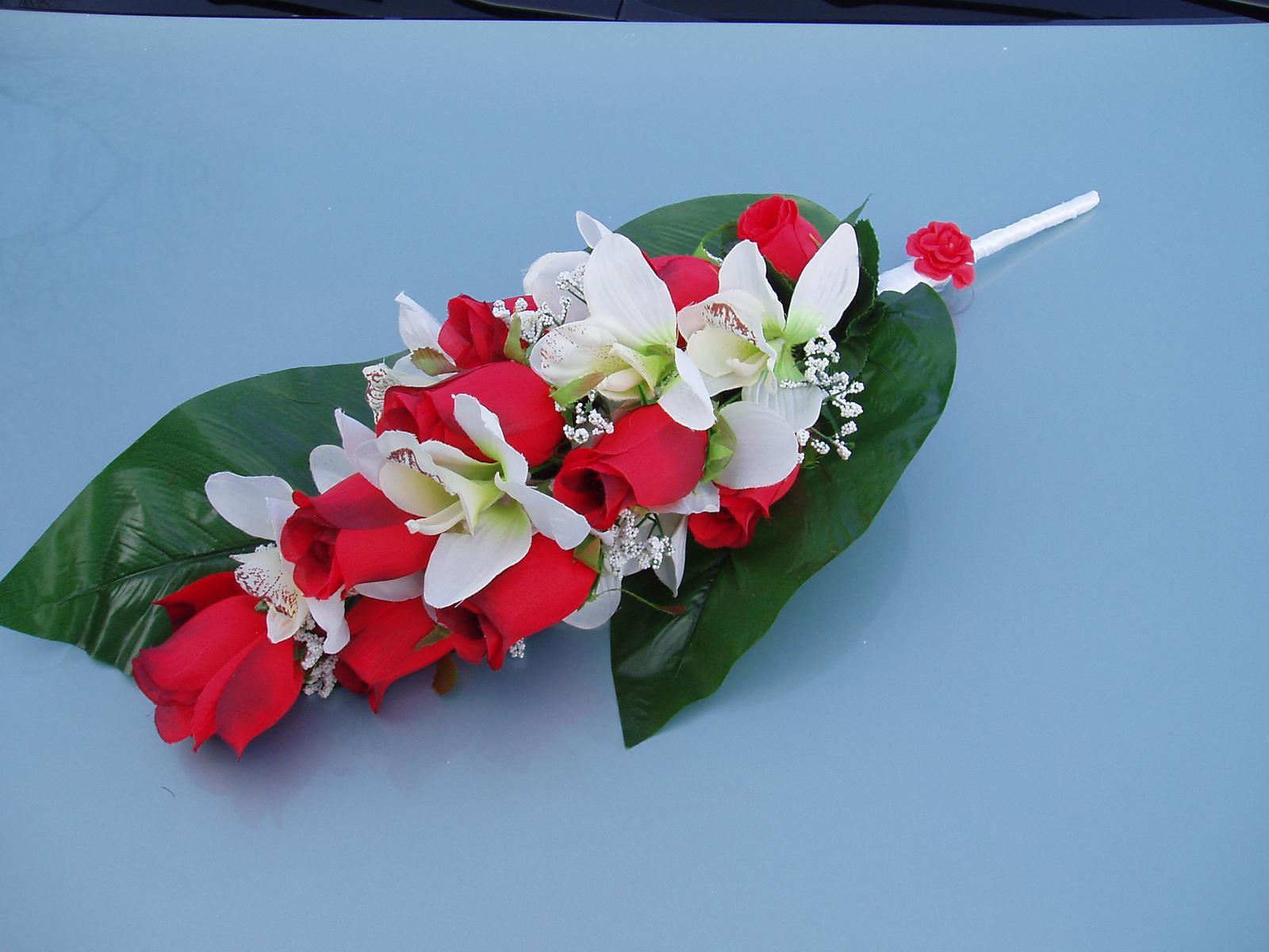 kytice na auto - Obrázek č. 1
