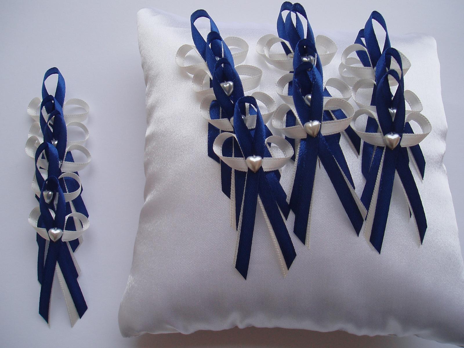 vývazek smetanově-modrý se srdíčkem - Obrázek č. 1