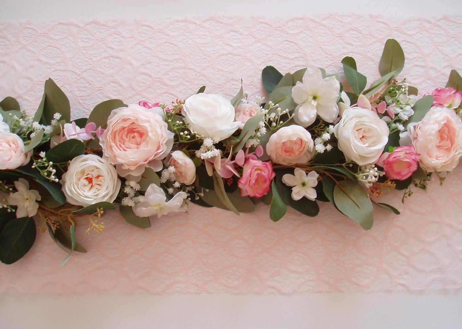 květinová girlanda na stůl - Obrázek č. 1