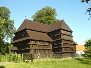 Drevený kostolík v Hronseku