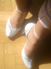 Moje svadobné topánočky len ich treba rozchodiť nech nie sú otlačiky