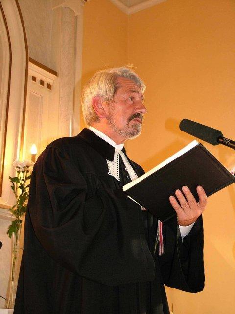Evka{{_AND_}}Miško - Skvelý pán farár Pavlík. Ďakujeme :))