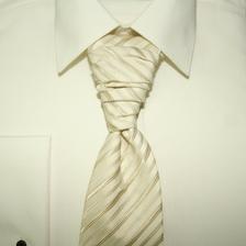 A kravata z blizka