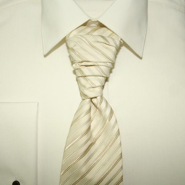 Deň D - A kravata z blizka