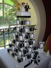 Takúto tortičku, ale bielo zlatú už mame zajednanú