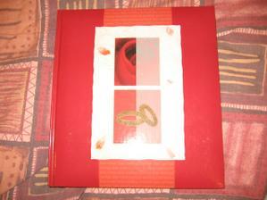 naše svatební album...dárek od kamaráda Pižly...zase se trefil...:-))