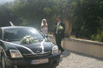 naše svadobné autíčko... ďakujeme Martinovi W.