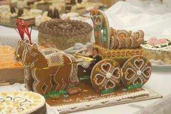 perníkova tortička od tety Majky a strýka Ima. teda to je kočiar s bábätkami.... prepáčte... ale bol vynikajúci.. mňam