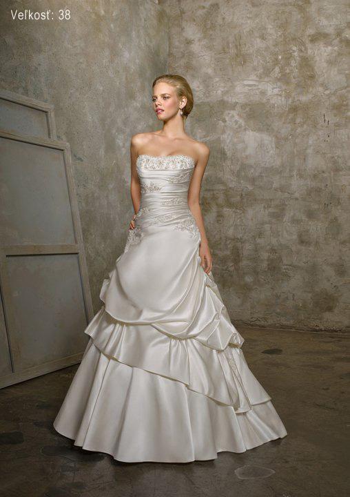 Óóó šaty ... - Kolekcia Mori Lee - diamantová biela na modelke