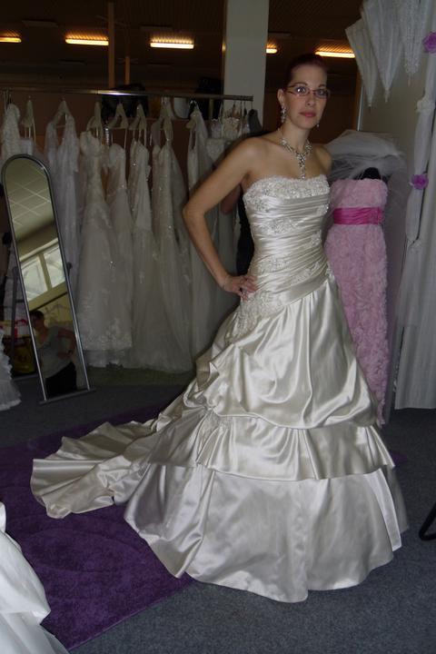 Óóó šaty ... - Kolekcia Mori Lee - diamantová biela na mne
