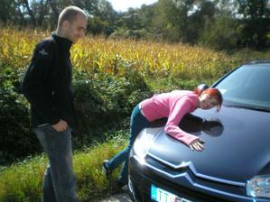 Toto bude naše svadobné autíčko - požičané od mojich rodičov :)