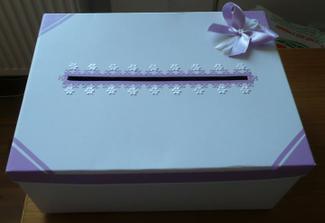 Dnes vytvořená krabice na přáníčka :)