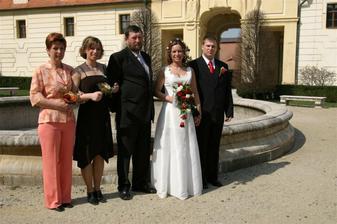 s rodinou nevěsty