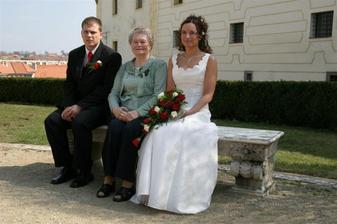 s babičkou ženicha