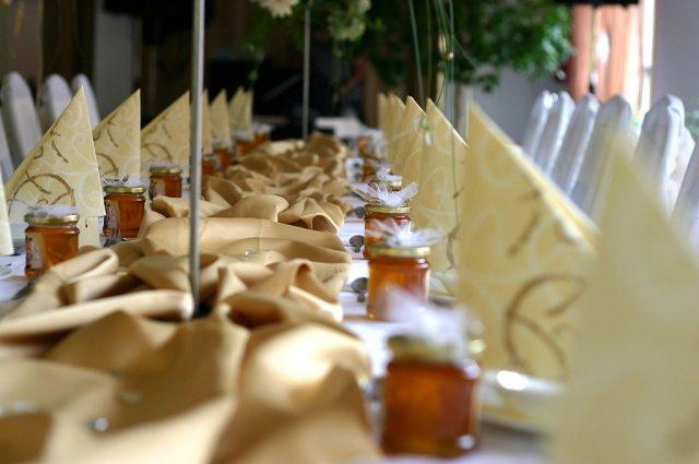 Lenka{{_AND_}}René - med-dar pre svadobčanov