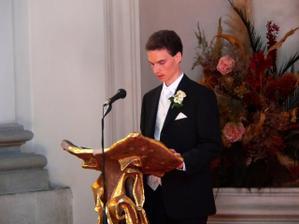 o první čtení se postaral ženich....