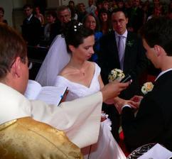 ..tento prsten je znamením věrnosti..