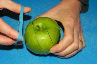 jak si vzít jablko s sebou na svačinu, aby nezhnědlo
