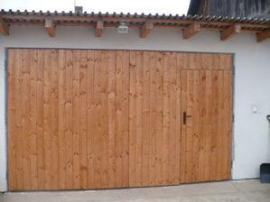 šéfkov výtvor-garážová brána