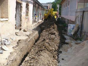 výkopy na kanalizáciu