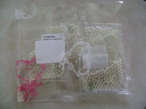 třpitivé perličky na svatevní stoly