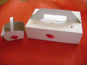 krabička na výslužky a krabička na drobnosti pro hosty - vlastnoručně vyrobená výzdoba