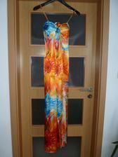 popolnočné šaty sú konečne doma... :)