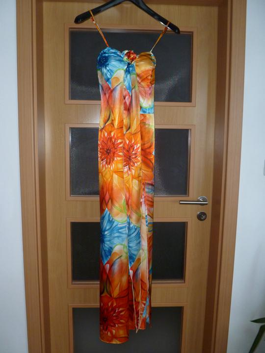 Ako by to mohlo vyzerať..... - popolnočné šaty sú konečne doma... :)