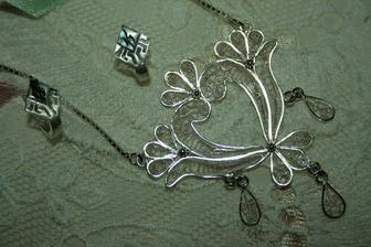 náhrdelník a naušnice