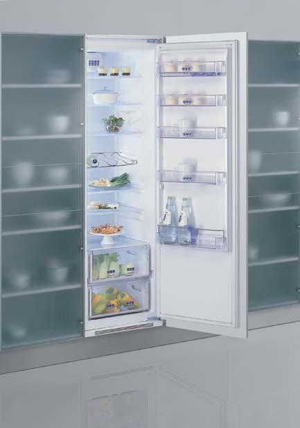 ....a pokračujeme...:-) s vybavením... - prostorná lednička