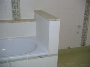 pohled na vanu směrem k wc