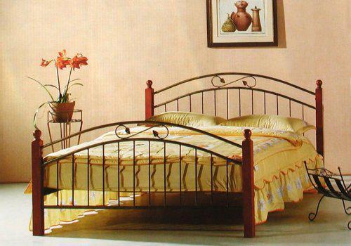 Začínáme....:-) - naše postýlka, krásně se nám na ní spí:-)