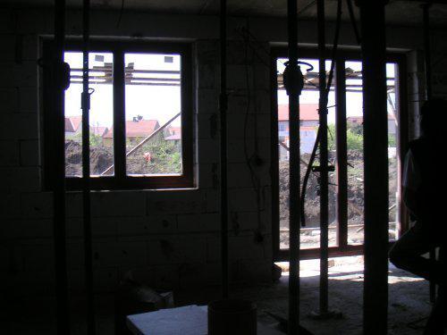 Začínáme....:-) - pohled z kuchyně..