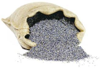 Koupena dvě kila sušené levandule (do kornoutků na házení a trochu k dekoraci)