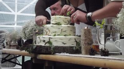 Vzhledově i chuťově báječný dort, měla jsem co dělat abych kousek zachránila na roční výročí :)