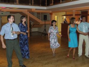 ženichové tety:Katka a Monika s manželom a kamarátka Lucka s priatelom