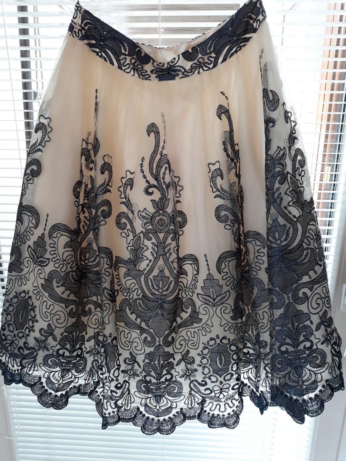 prekrásna sukňa - Obrázok č. 1