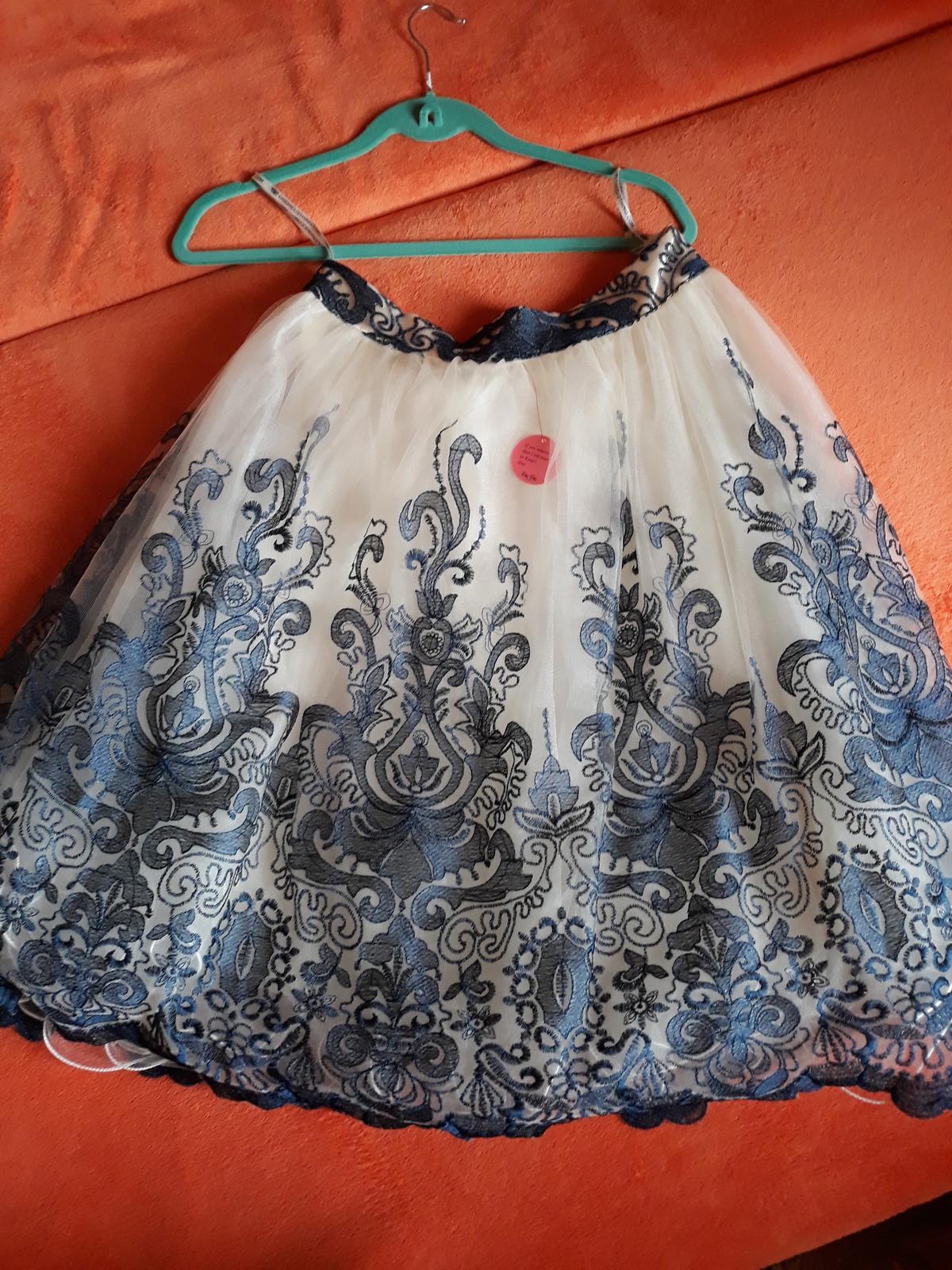 prekrásna sukňa - Obrázok č. 3