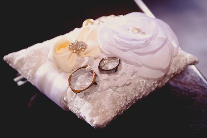 Lucka{{_AND_}}Ráďa - Děkuji Kačence, která mi vytvořila tento krásný polštářek :)
