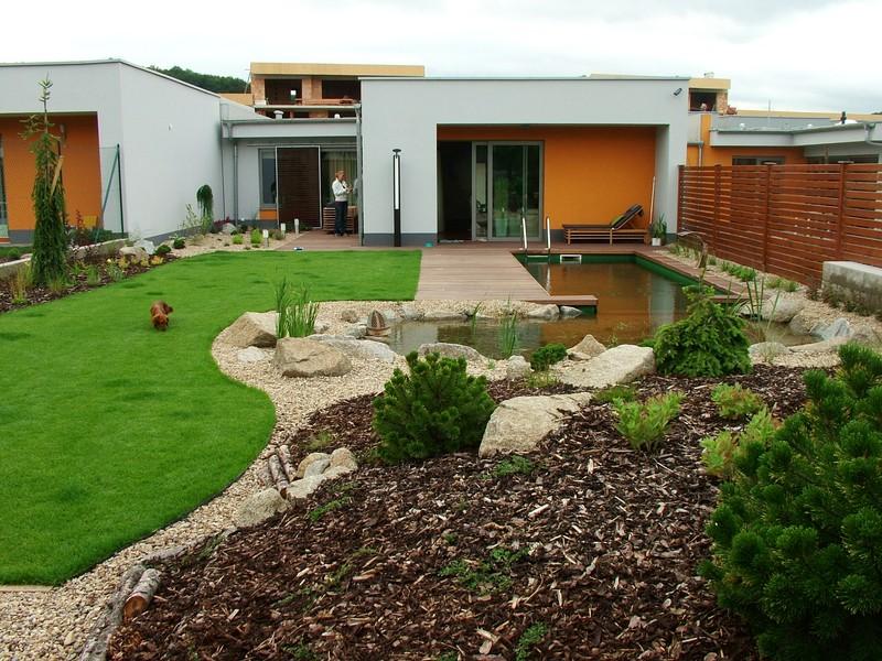 Velcí zahradníci s malou zahradou - Obrázek č. 27
