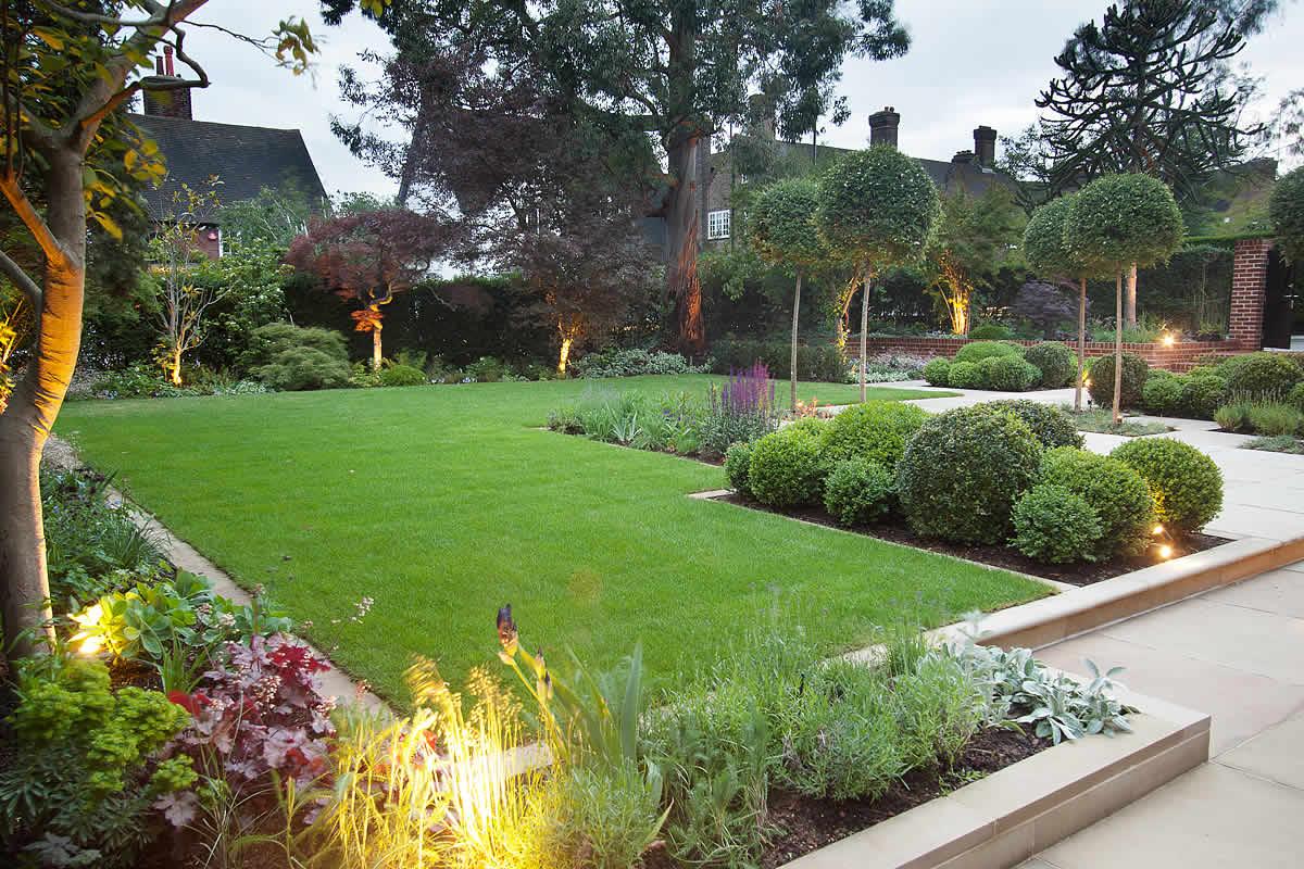 Velcí zahradníci s malou zahradou - Obrázek č. 41
