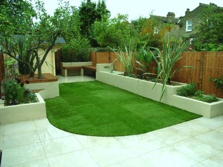 Velcí zahradníci s malou zahradou - Obrázek č. 51