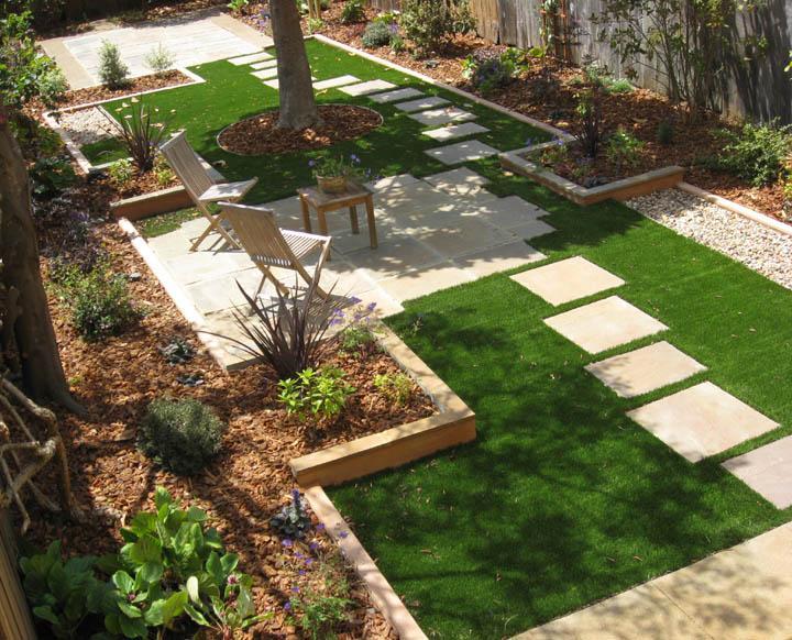 Velcí zahradníci s malou zahradou - Obrázek č. 61
