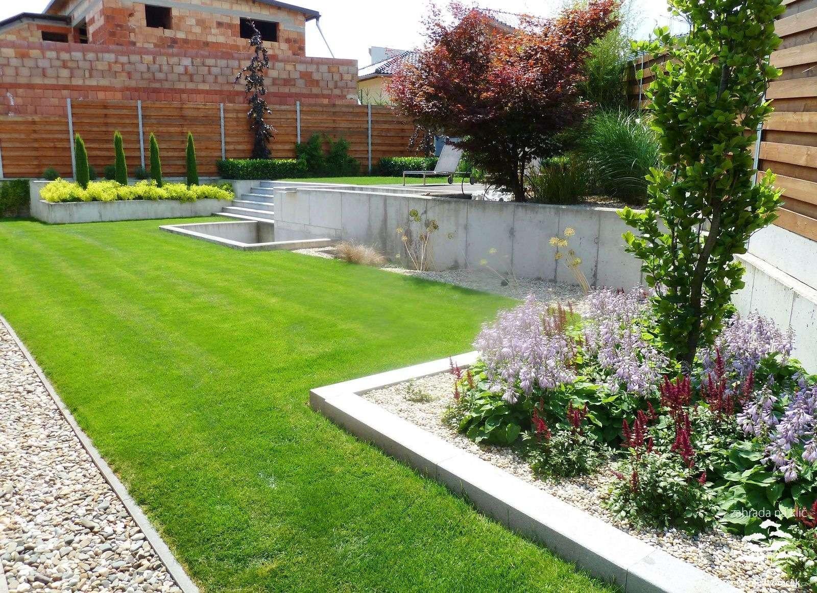Velcí zahradníci s malou zahradou - Obrázek č. 89