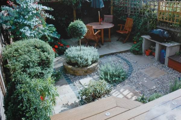 Velcí zahradníci s malou zahradou - Obrázek č. 98
