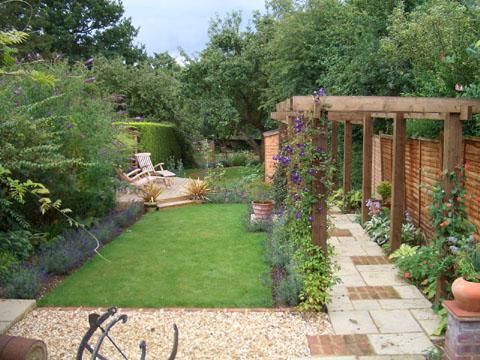 Velcí zahradníci s malou zahradou - Obrázek č. 101