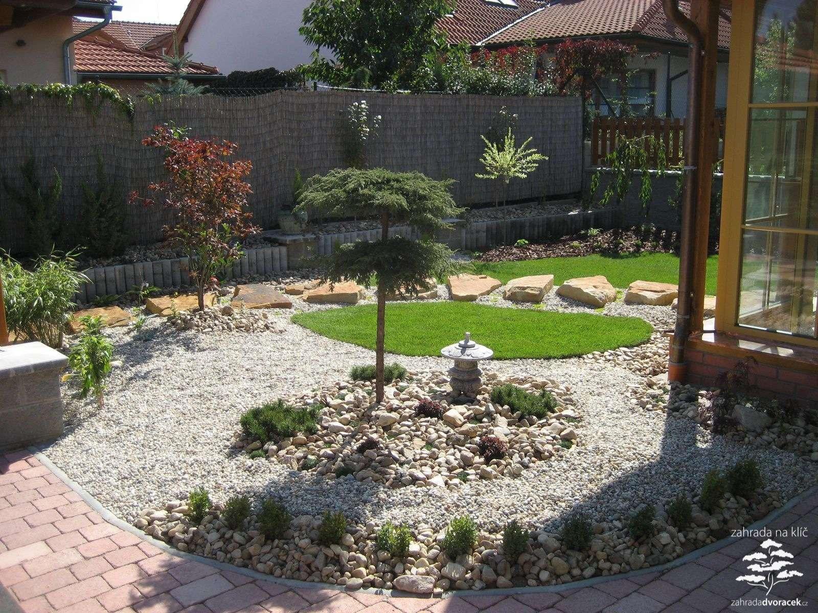Velcí zahradníci s malou zahradou - Obrázek č. 106