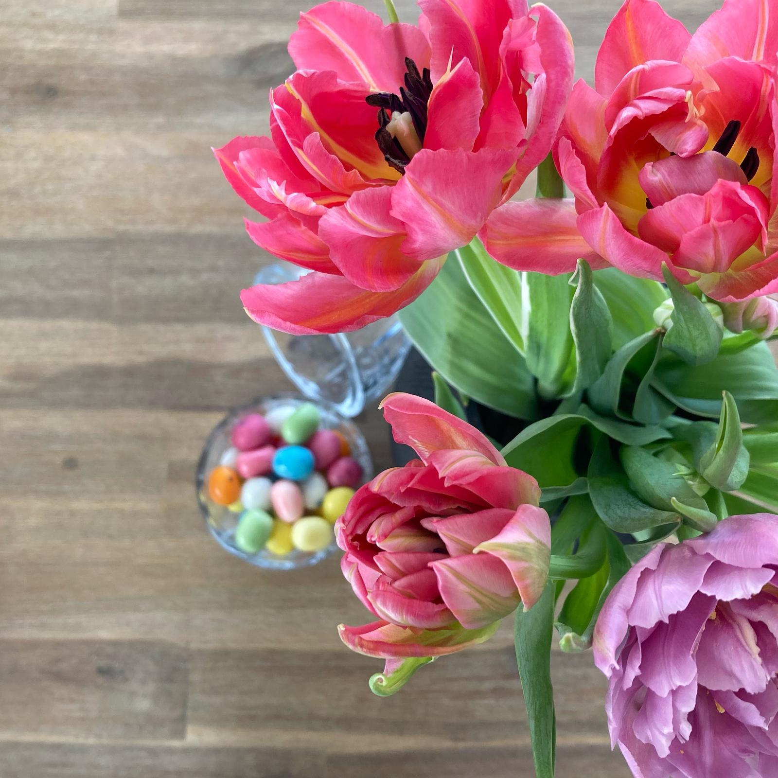 Doma i v zahradě - Jarní barvy a tulipány co mám ráda. Krásný nadcházející víkend všem.